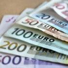 Oorzaken, voordelen en nadelen van een zwakke euro