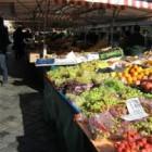 Economisch boodschappen doen spaart geld en levensmiddelen