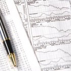 Geld verdienen met online handelen in aandelen